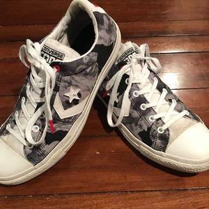 Money shoes Converse. Mens 9 / woman 11